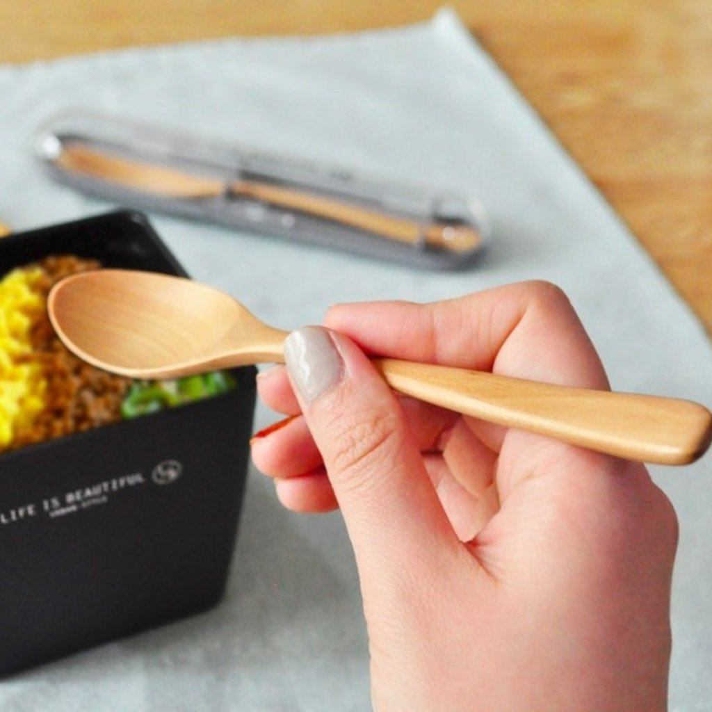 Showa Showa - Wood Cutlery Set - Life is Beautiful