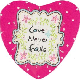 Magnet - Love Never Fails, Pink MDF