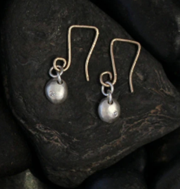 SAUNDRA MESSINGER Earrings small raindrop on wir