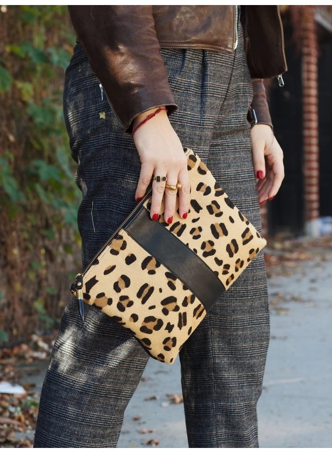 LEOPARD MEDIUM POUCH