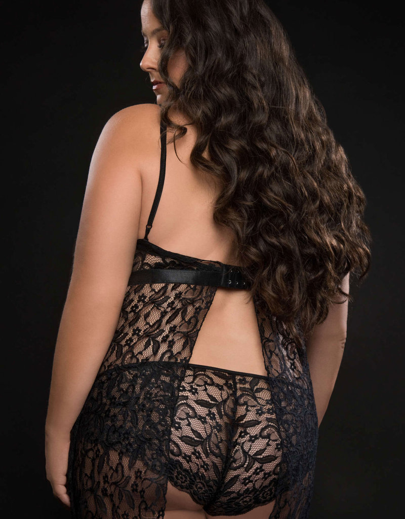 G World 2pc Strappy Halter Laced Babydoll With Side Slits and Open Back - Queen Size
