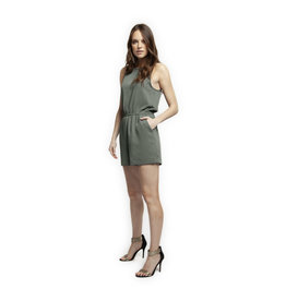 Dex SLV/LESS SCOOP NECK SHORT ROMPER