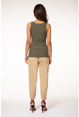Dex RIBBED KNIT TANK SCOOP NECK
