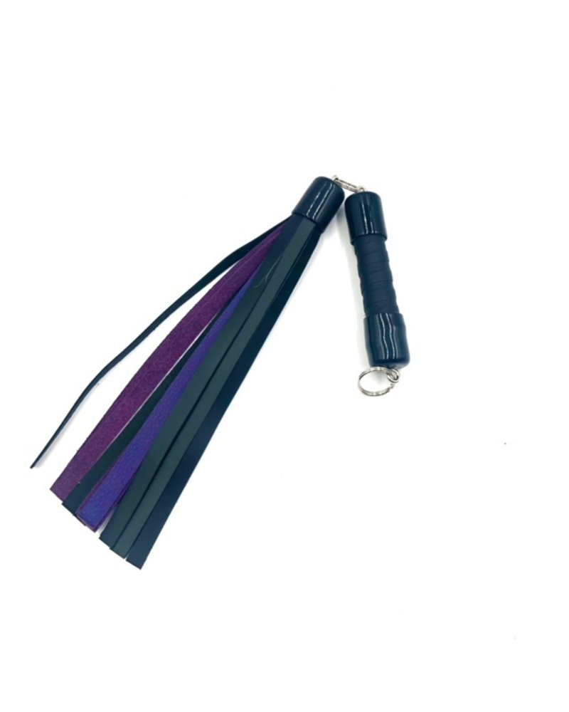 TOF INC 15 Inch Leather Swivel Flogger