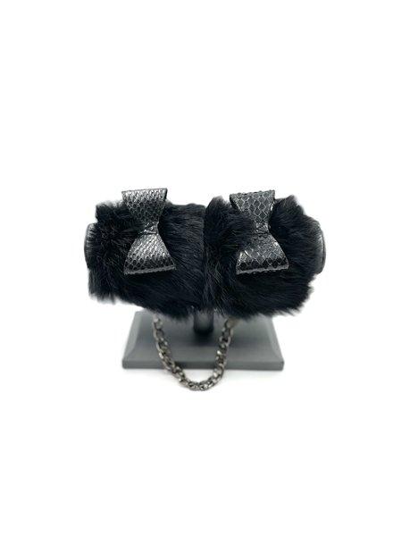 Fräulein Kink Fur Handcuffs/bow