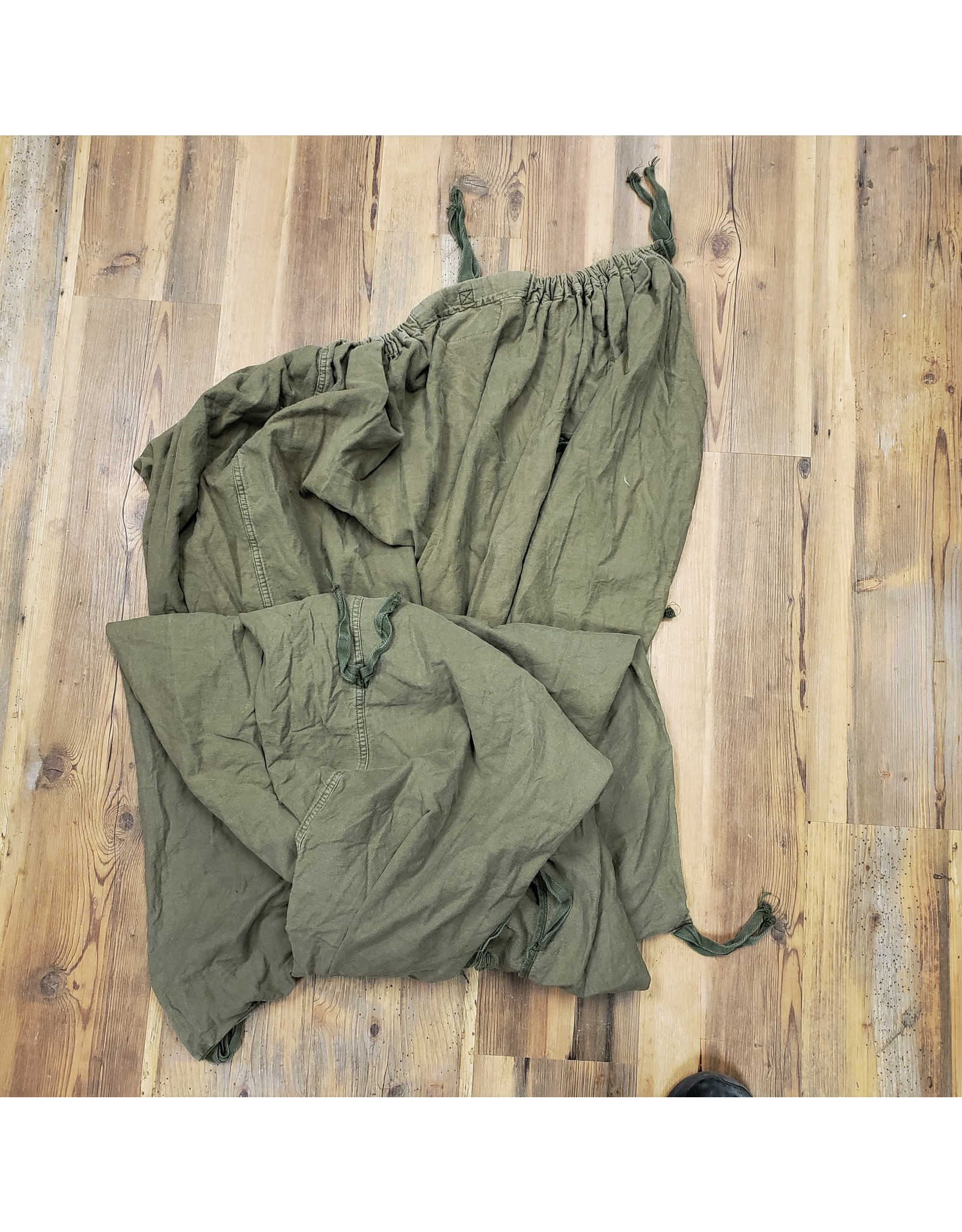 SURPLUS CANADIAN SLEEP BAG FLEECE LINER USED