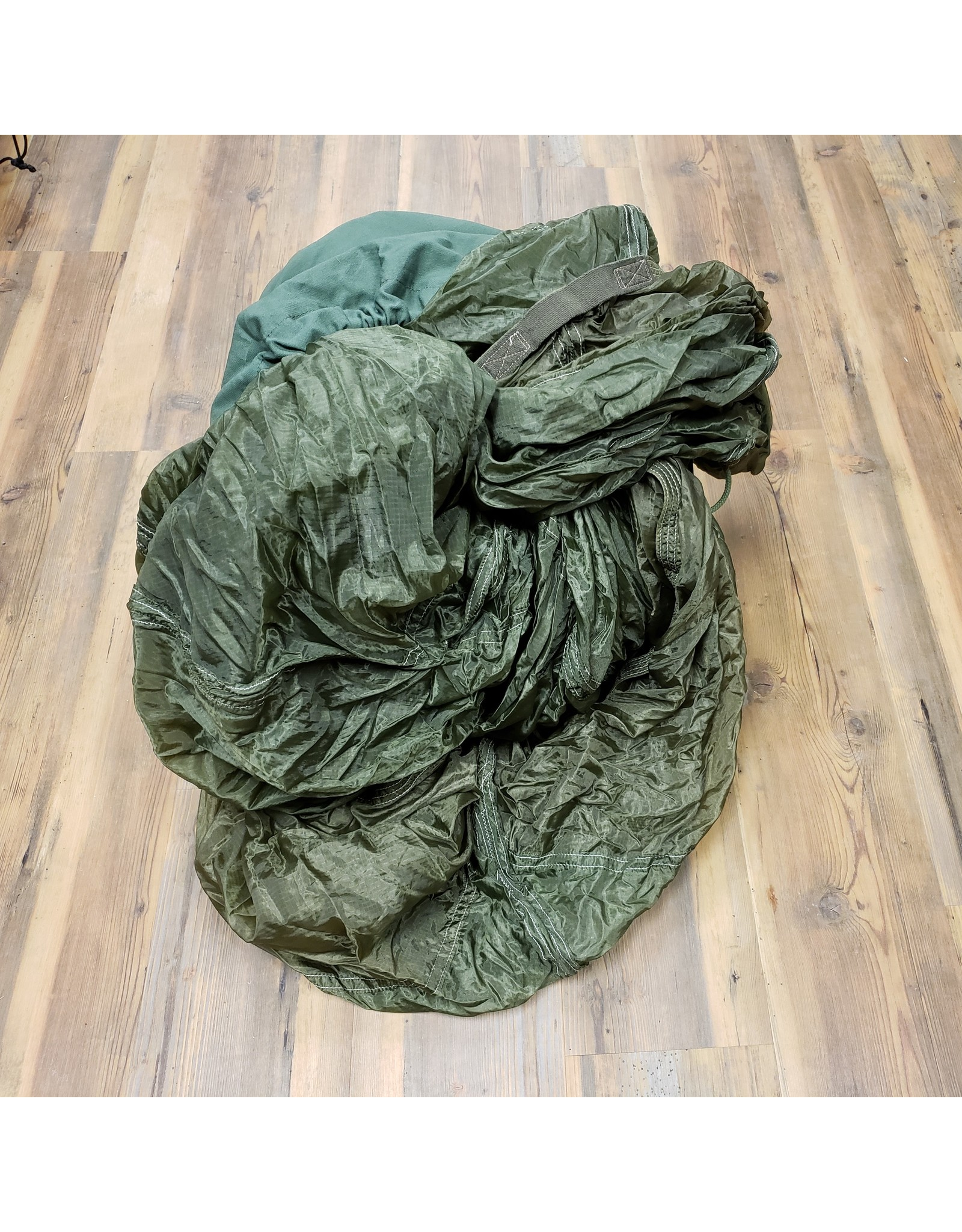 SURPLUS MILITARY OLIVE TRAINING PARACHUTE