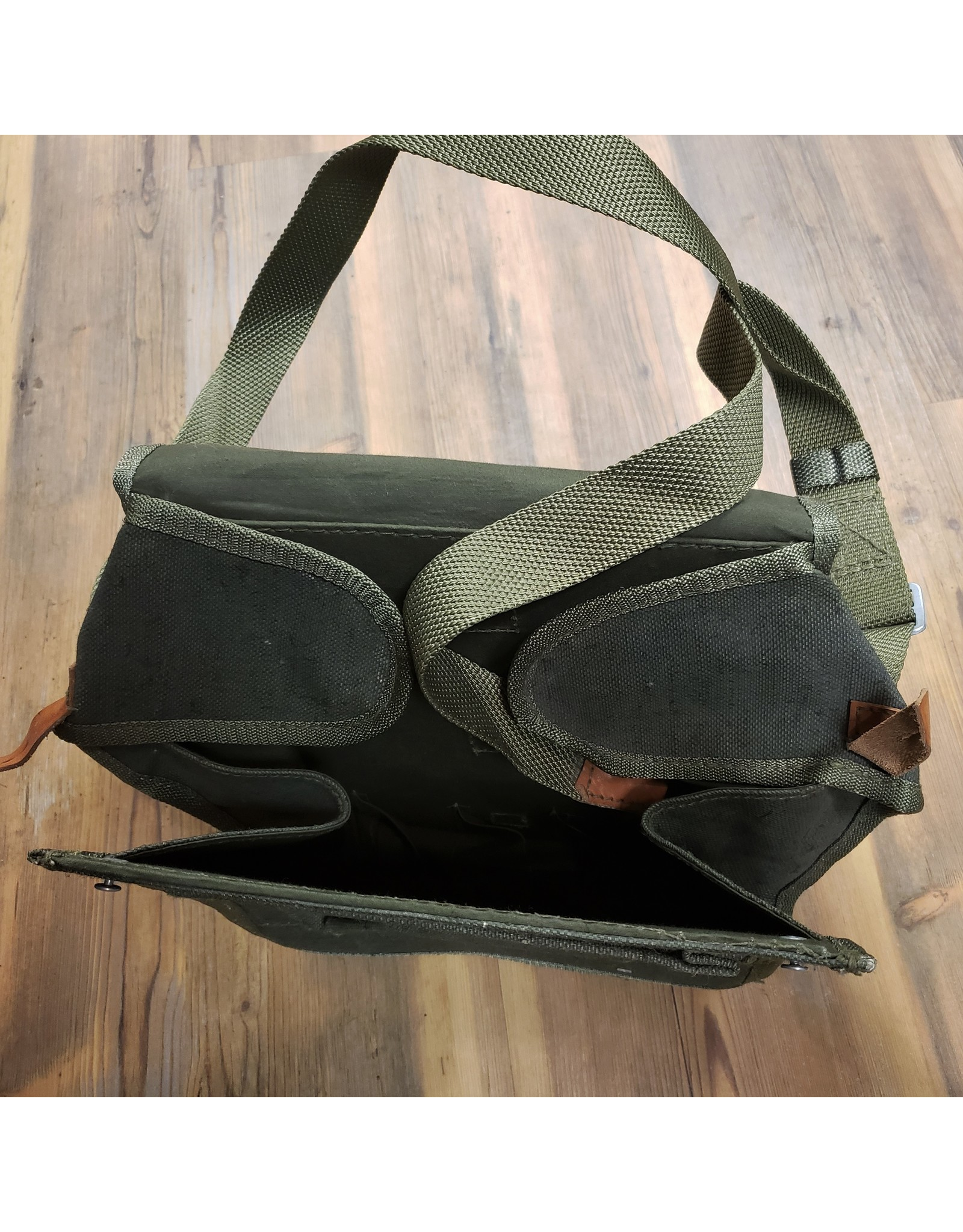 SURPLUS SWEDISH MEDIC BAG