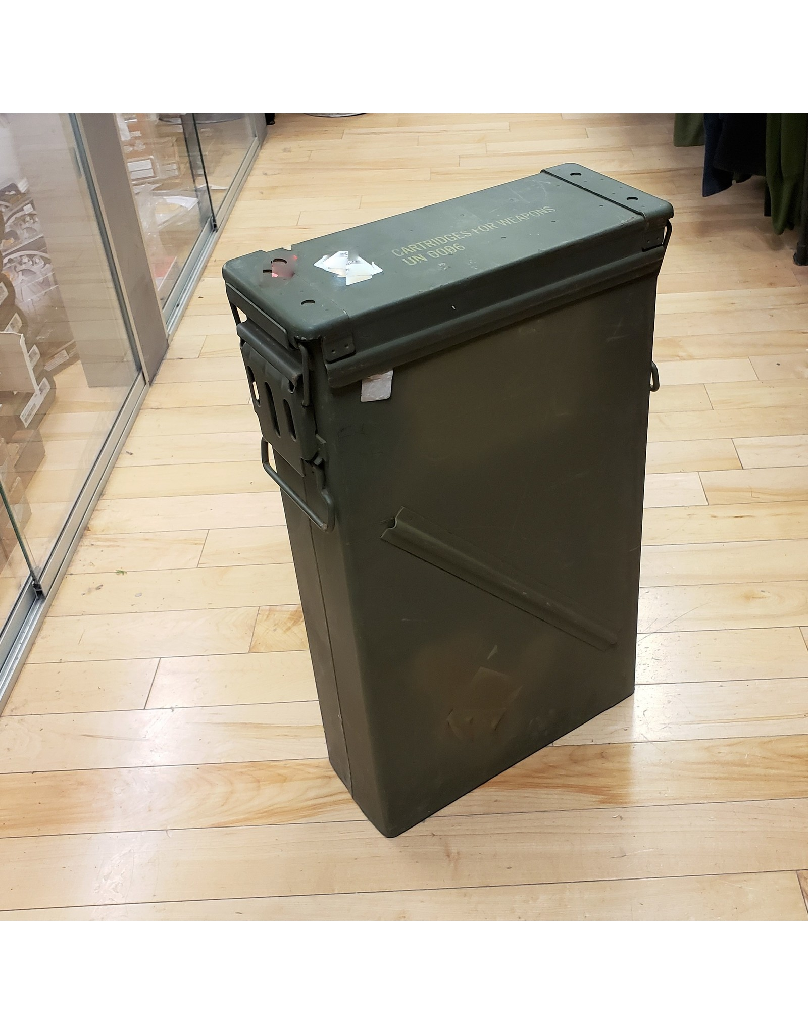 SURPLUS 60 81 MM CAL AMMO BOX