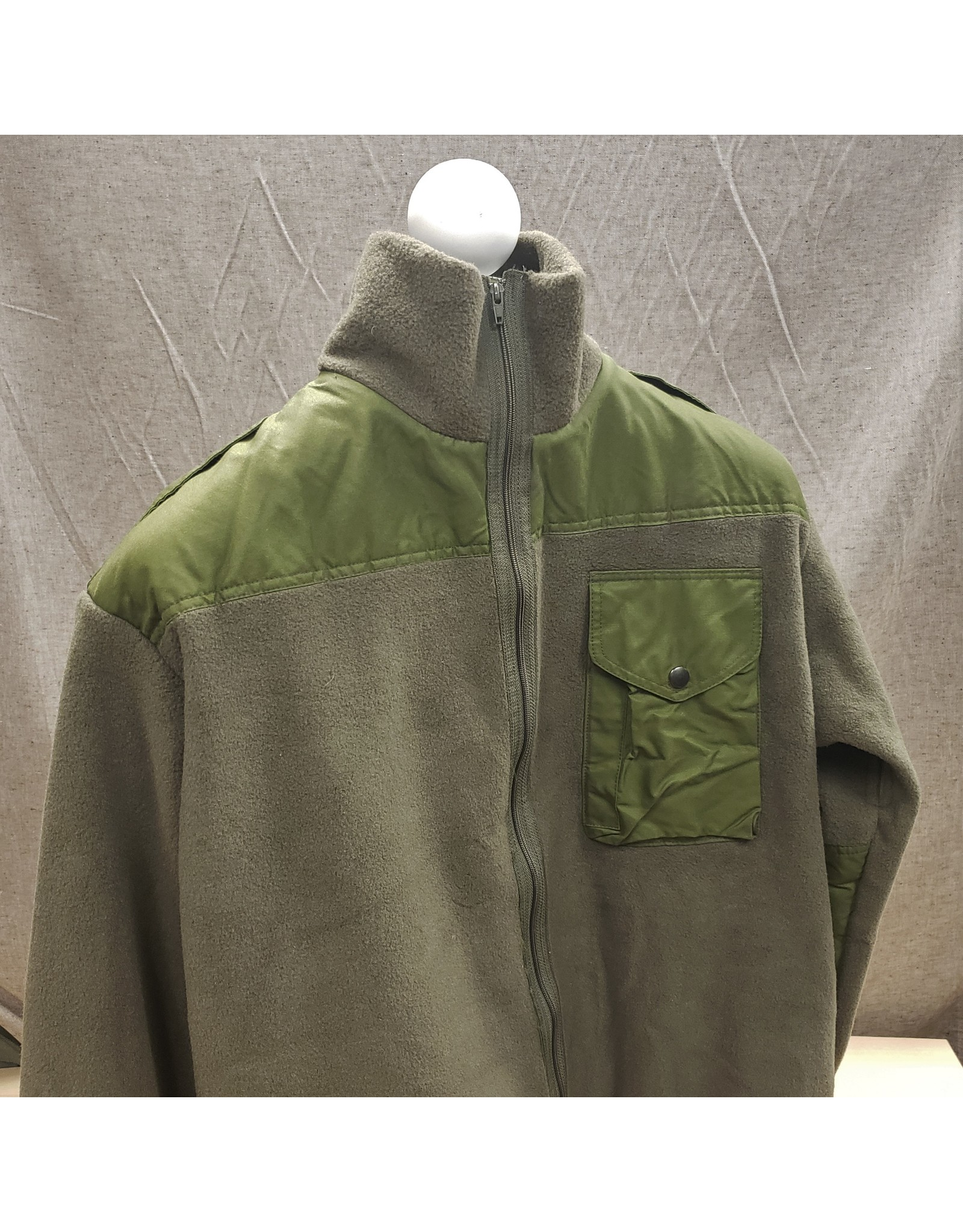 SURPLUS CANADIAN OLIVE FLEECE SHIRT