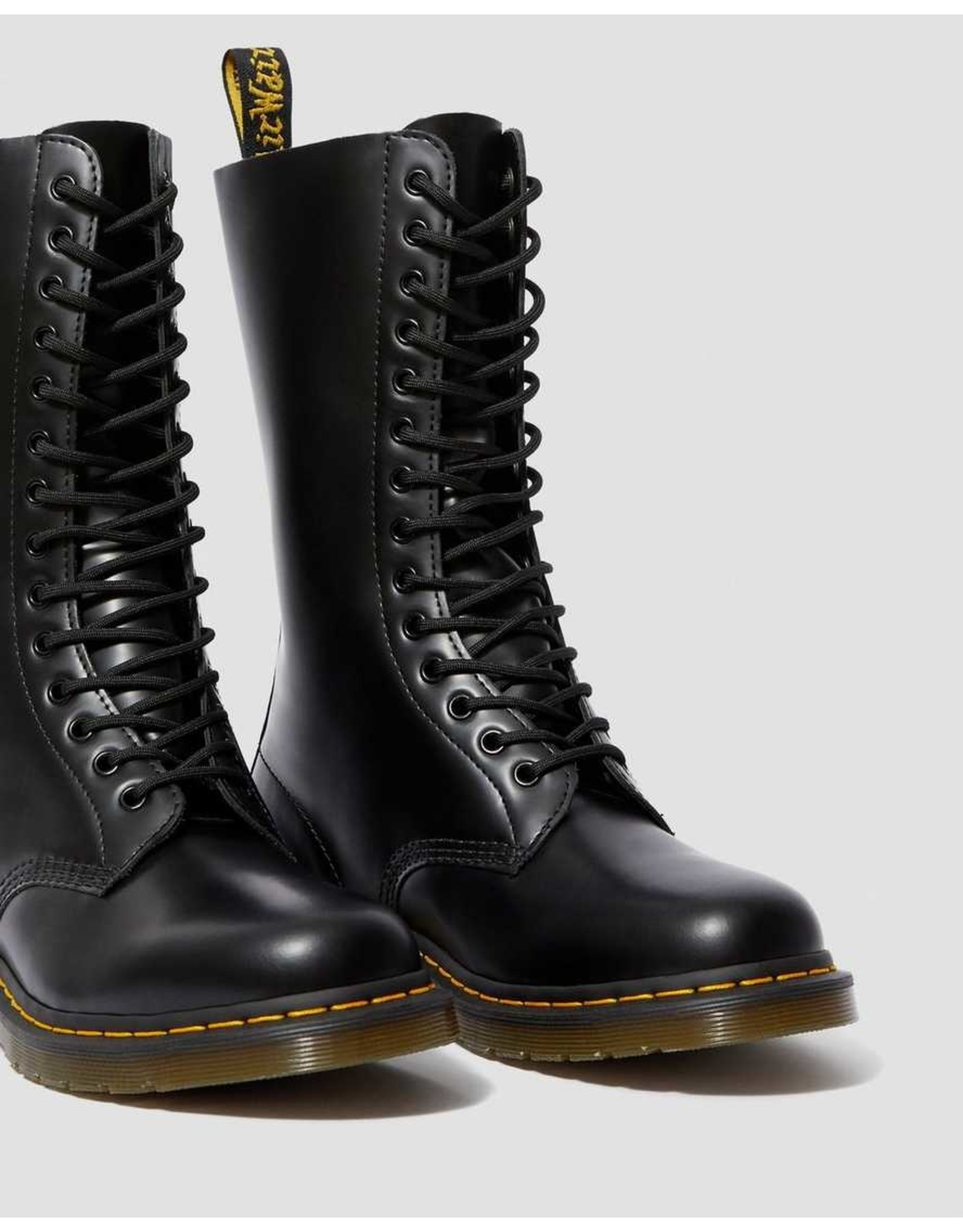 DR. MARTENS DR. MARTENS BLACK SMOOTH LEATHER TALL BOOTS