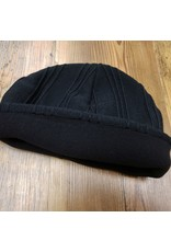 WORLD FAMOUS SALES BLACK  TOQUE FLEECE LINED  CAN MADE