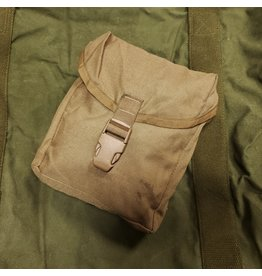 WORLD FAMOUS SALES U.S. COYOTE 1ST AID POUCH USED