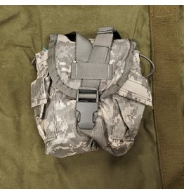 WORLD FAMOUS SALES U.S. ACU CANTEEN COVER USED
