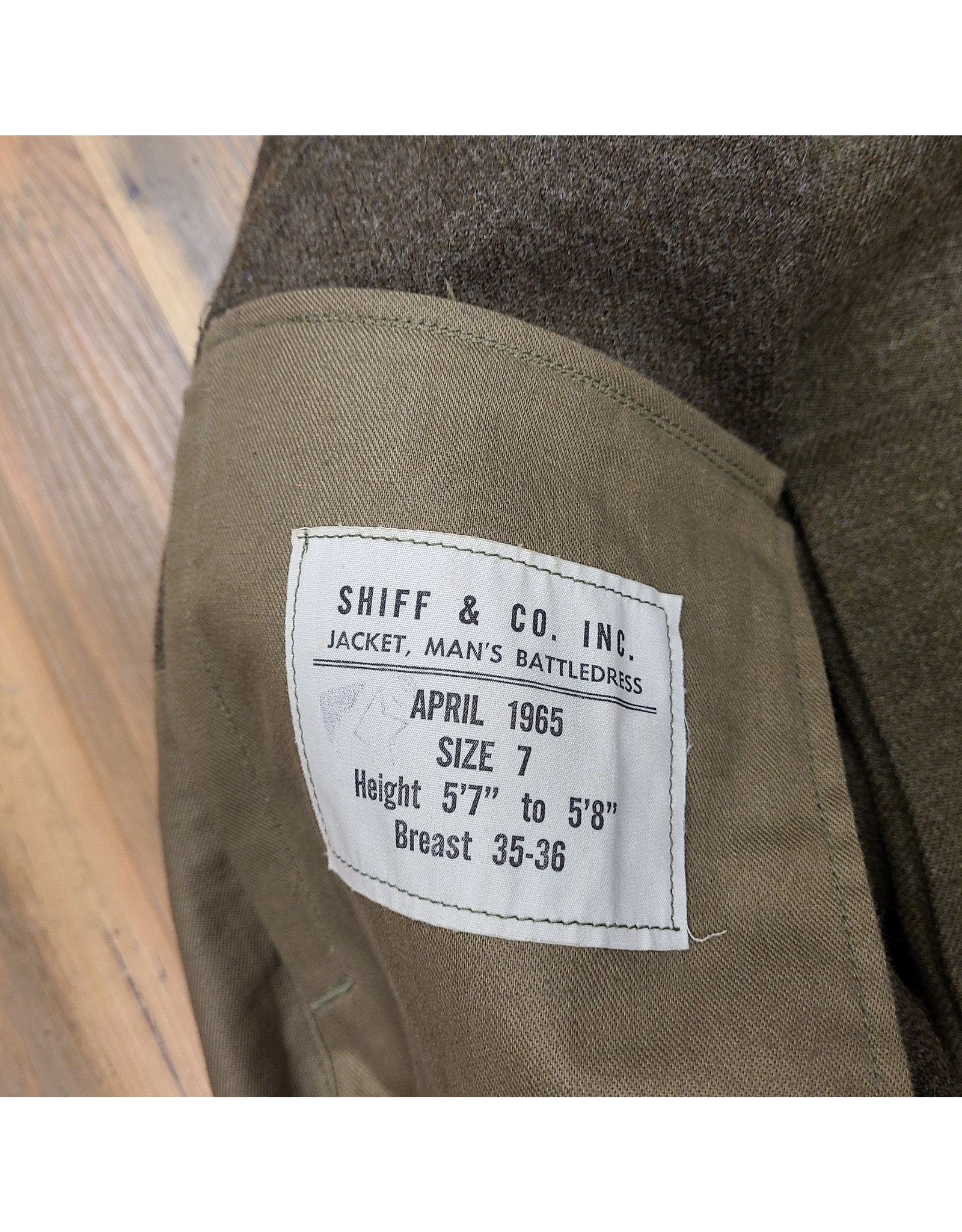 "CANADIAN SURPLUS CANADIAN ORDANCE CORPS DRESS  W/UN PATCH SZ 5'7"" HEIGHT 35-36 CHEST"
