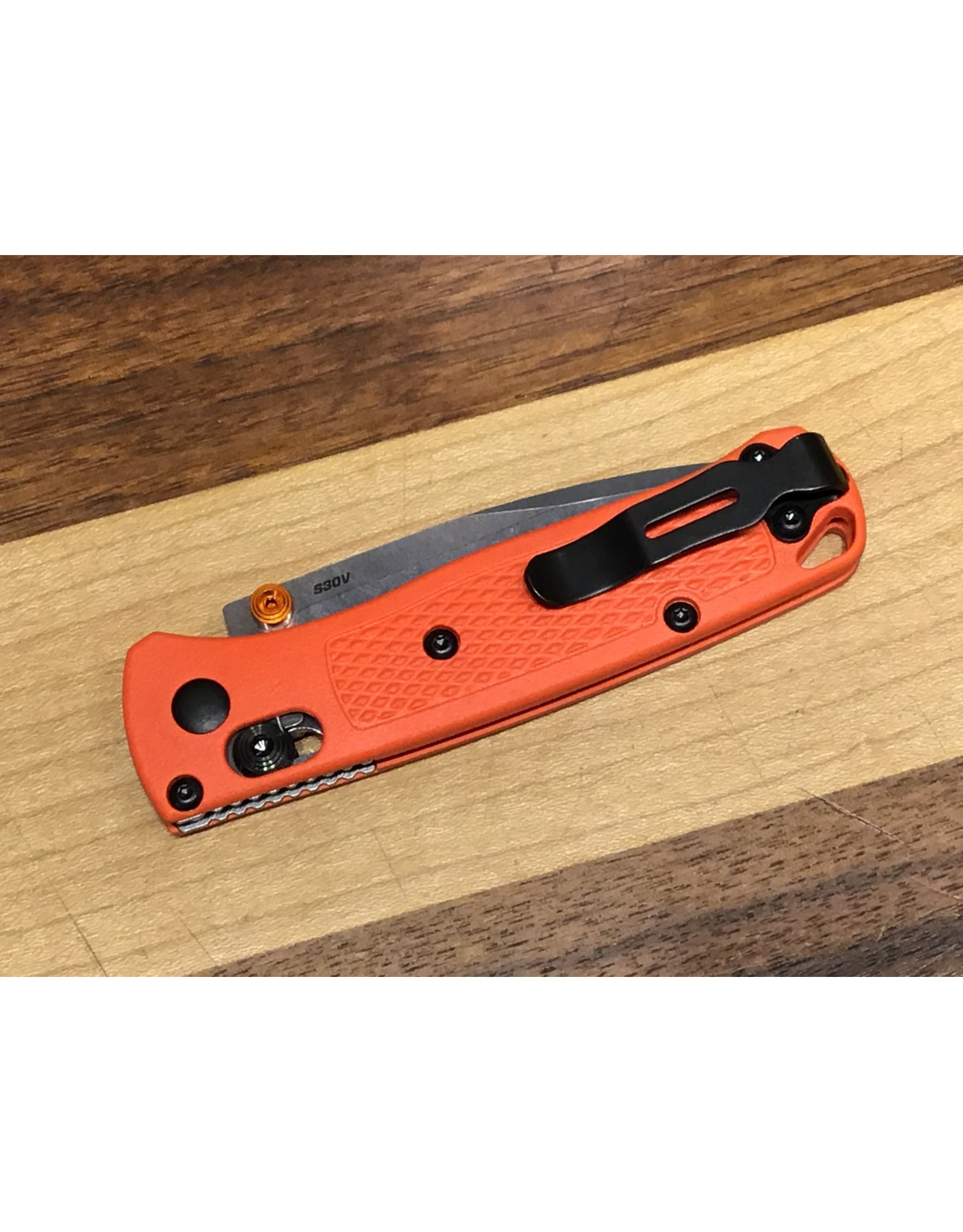 Benchmade Benchmade Mini Bugout 533 Orange Handle Satin Blade