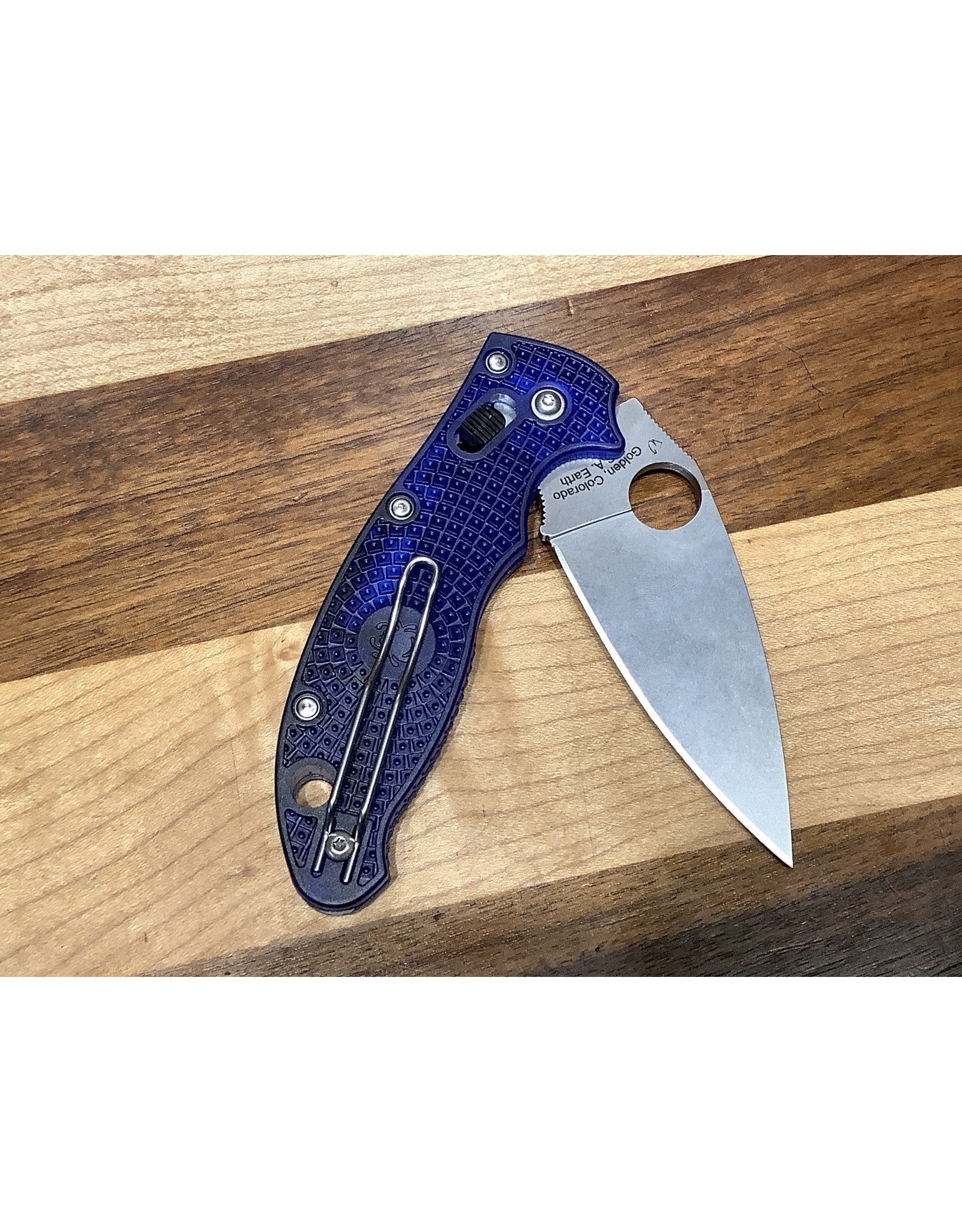 Spyderco Manix 2 in CTS BD1N and Tanslucent Blue
