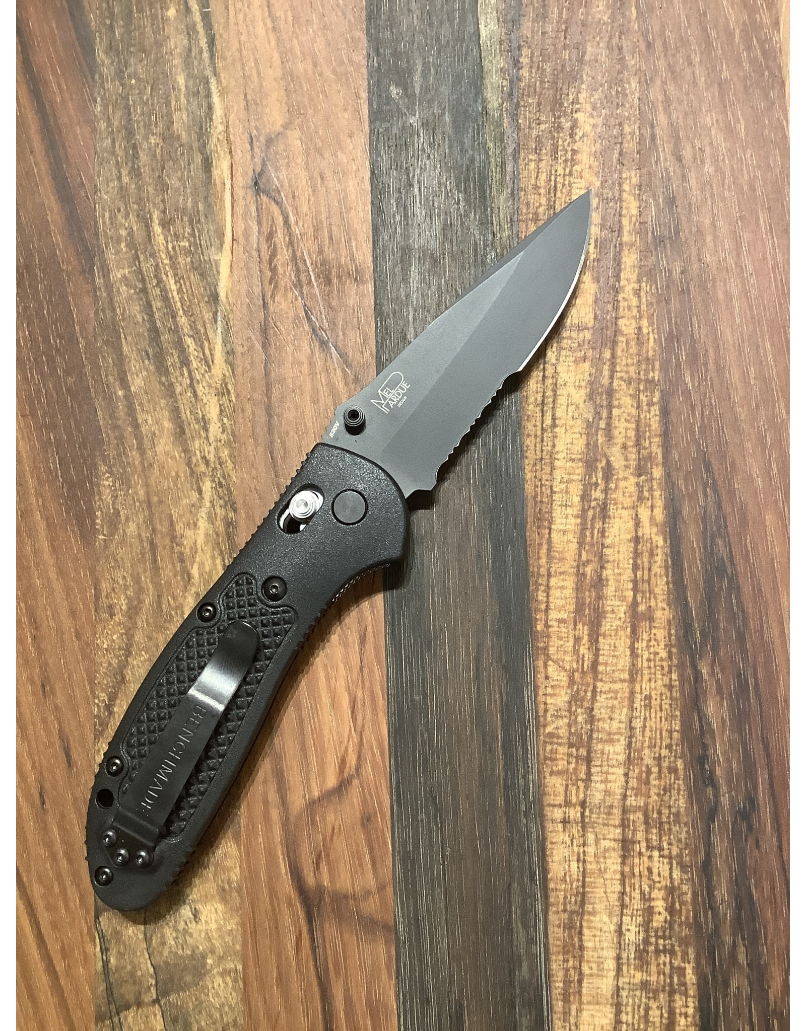Benchmade Griptilian  BK with Serrations