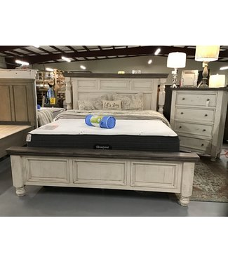 IFD KING BED IN STONE WHITE/GRAY