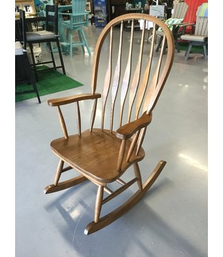 TENNESSEE ENTERPRISES VIRGINIA ROCKER MED OAK