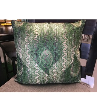 UMA ENT. INC. THROW PILLOW GREEN & SILVER