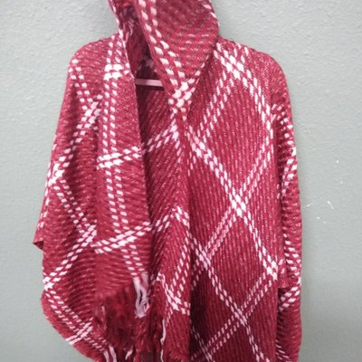 SIMPLY NOELLE WRP-4243-RED HOODED WRAP HOUNDSTOOTH RED