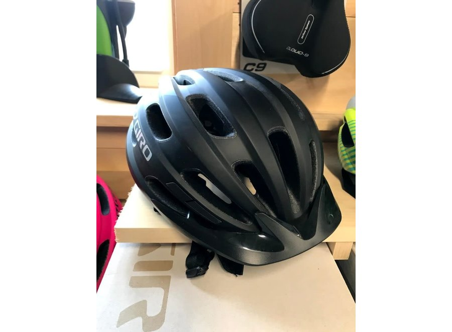 Giro Cycling Hale MIPS Youth Helmet - Matte Black (Size UY)