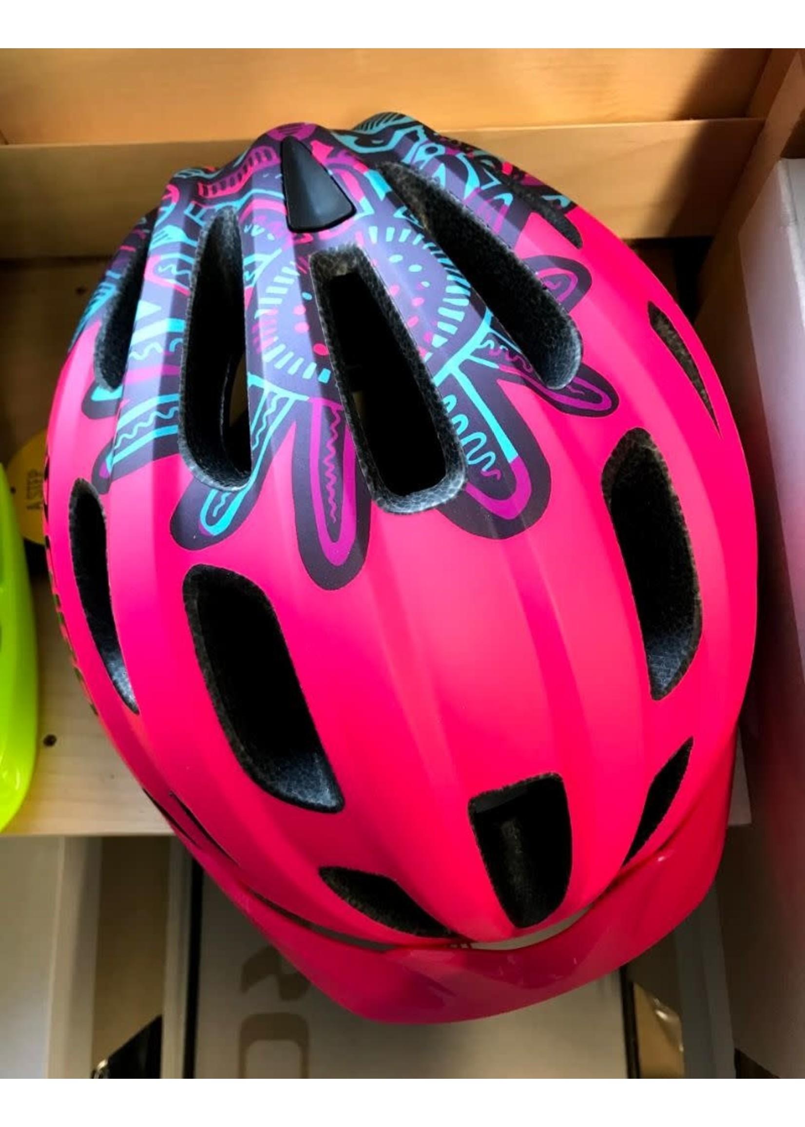 Giro Cycling Giro Cycling Hale MIPS Youth Helmet - Matte Bright Pink (Size UY)