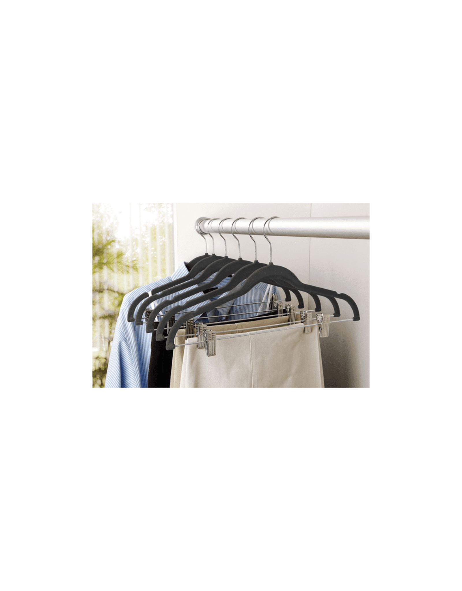 HANGER-VELVET-W-CLIPS PK/6 BLACK