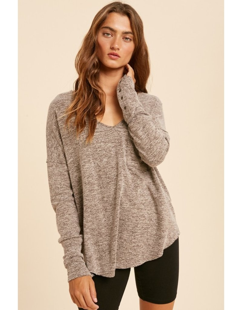 V neck top with button cuff - Nude