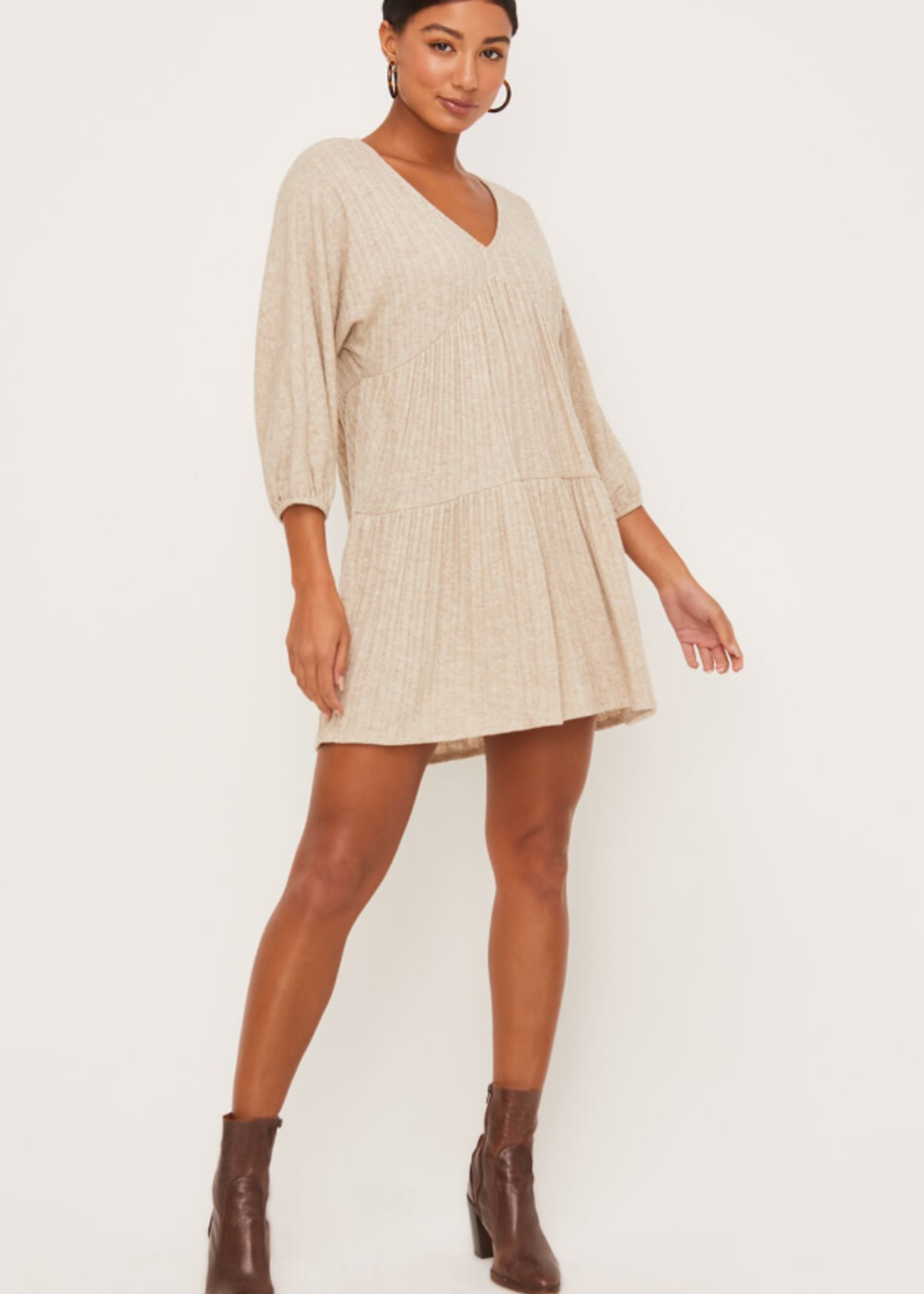 Lush Long Sleeve Ribbed V Neck Dress - Oatmeal