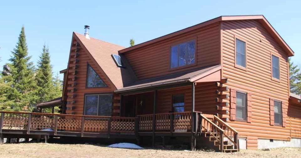 Little Bear Lodge on Drummond Island, Michigan