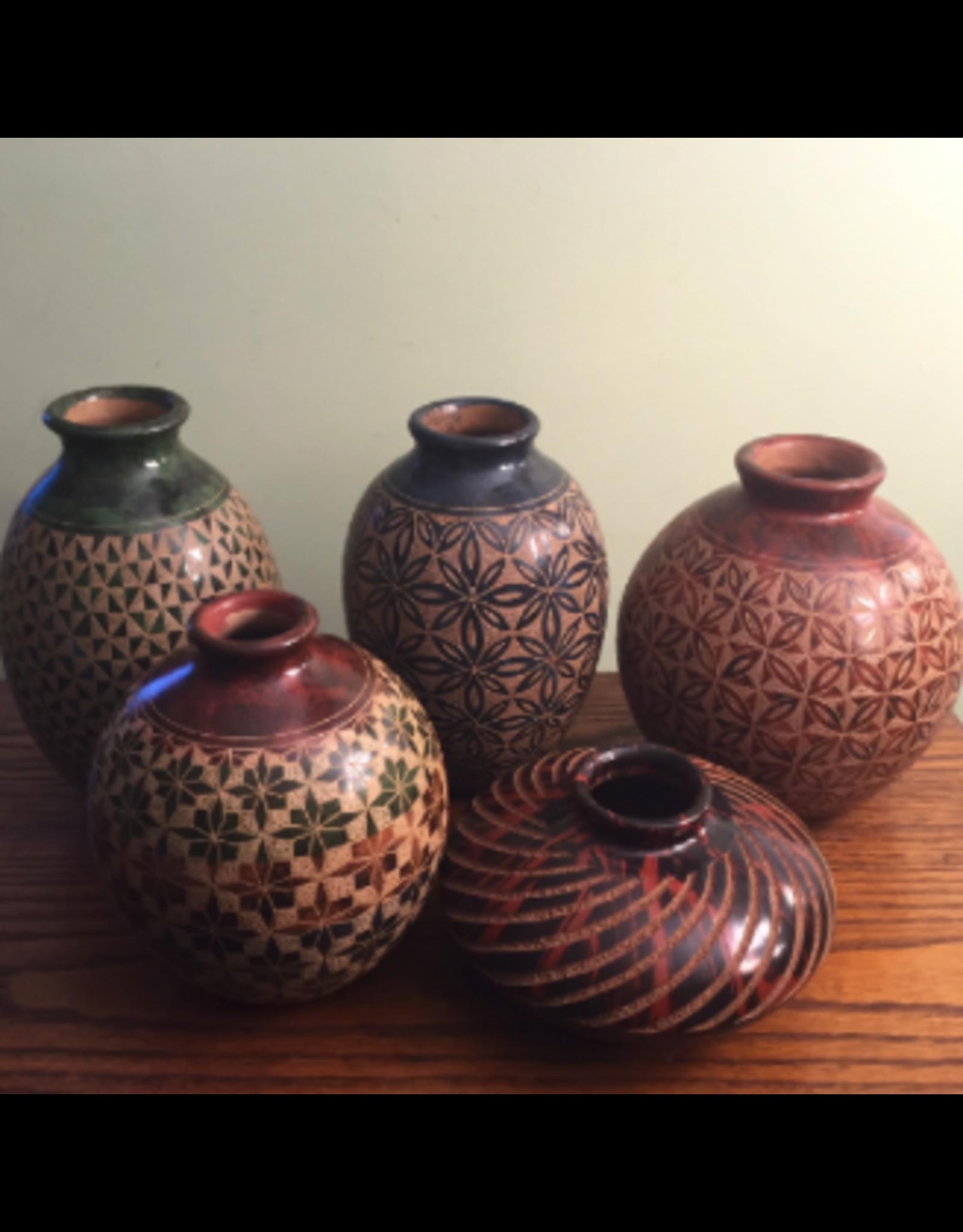 "Mundo Handmade Vase (Assorted Designs,  4.5""H x 4""D.) MUNDO"