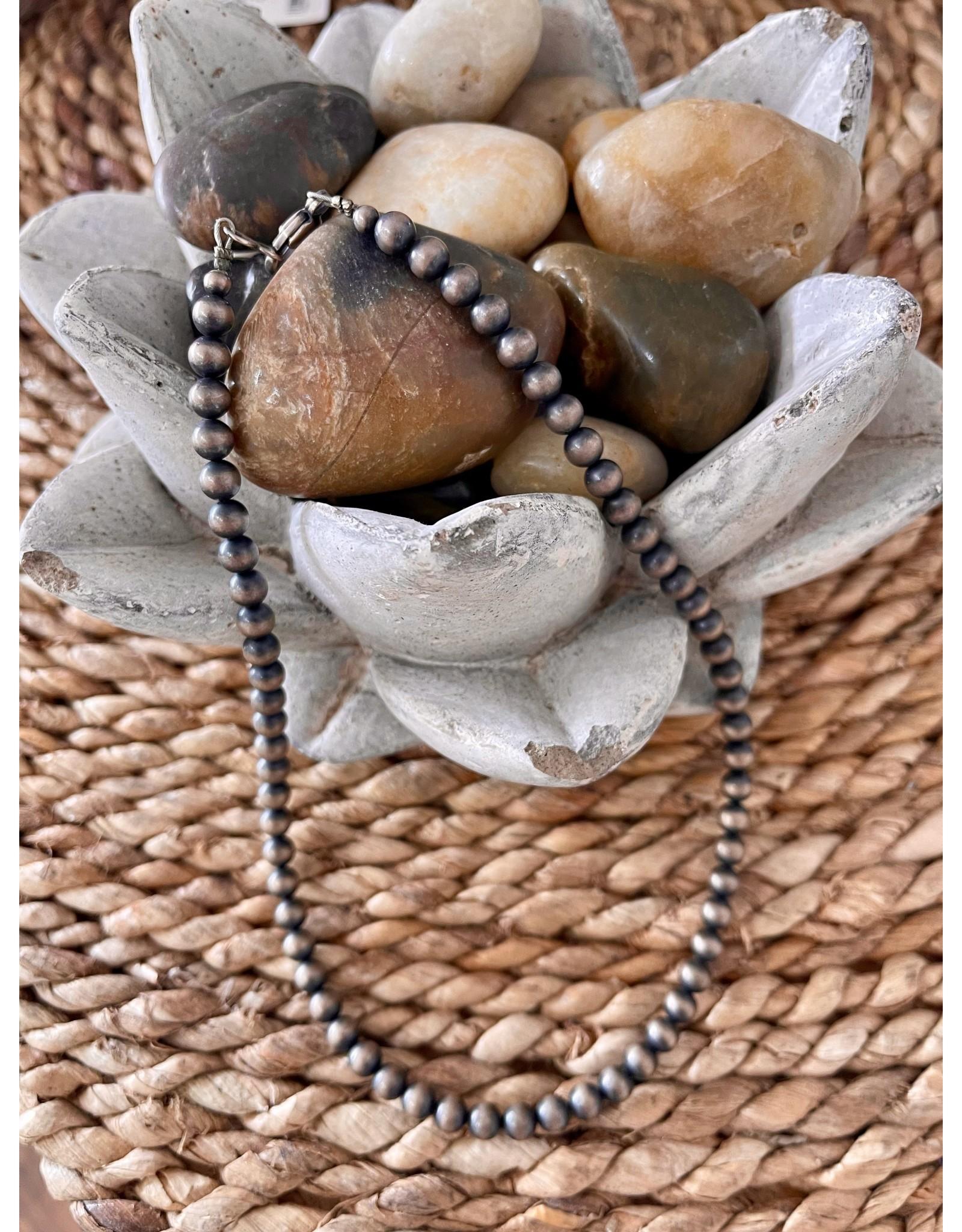 """Rare Finds NAVAJO PEARL necklace  16"""" Native American Artist Design, single strand RARE"""