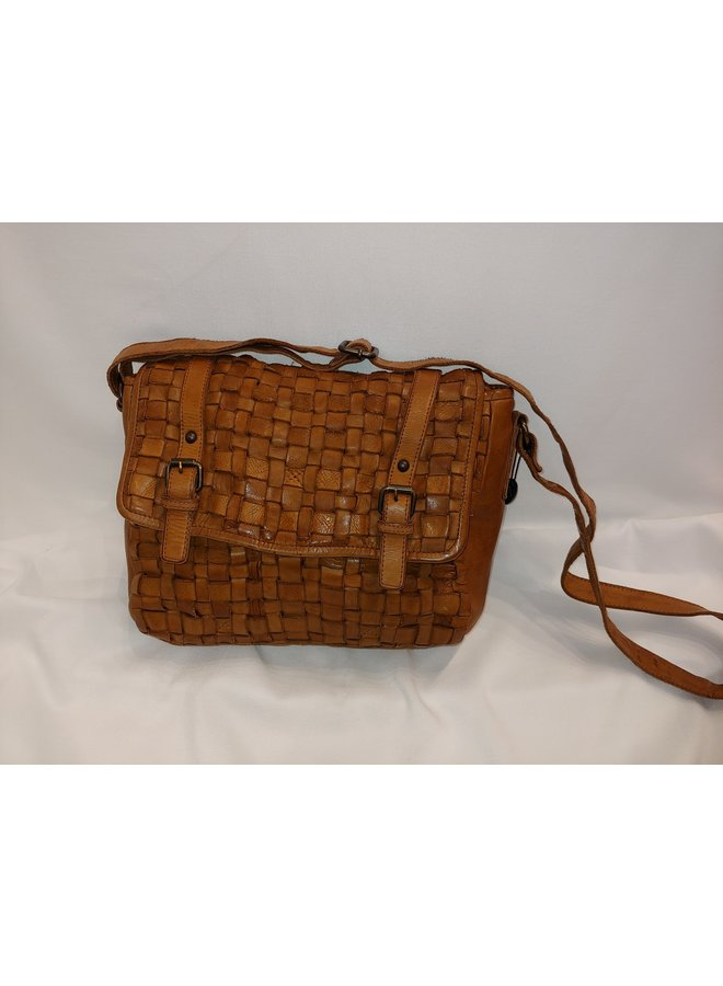 Midsize weaved messenger bag 4203350