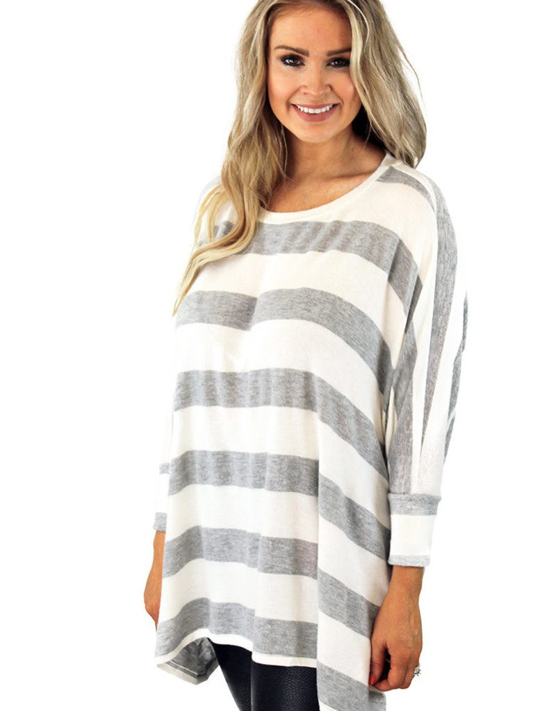 JENSEN TOP-- Available in Gray or Ivory
