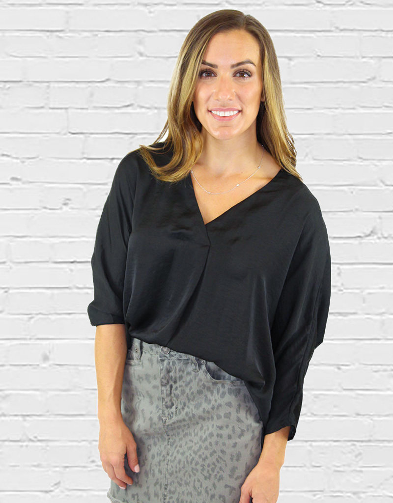 BAILEY V NECK TOP