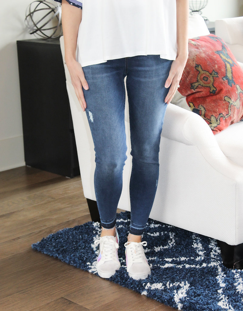 SPANX DISTRESS WASH JEAN