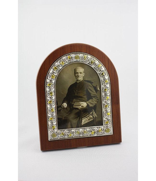 L'Oratoire Saint-Joseph du Mont-Royal Photo frame of Saint Brother André (sepia)