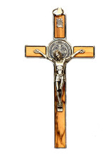 Crucifix saint Benoît  métal et bois d'olivier