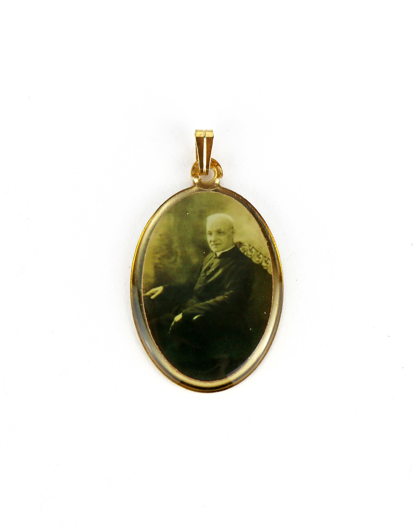 Golden outline medal of Saint Brother André