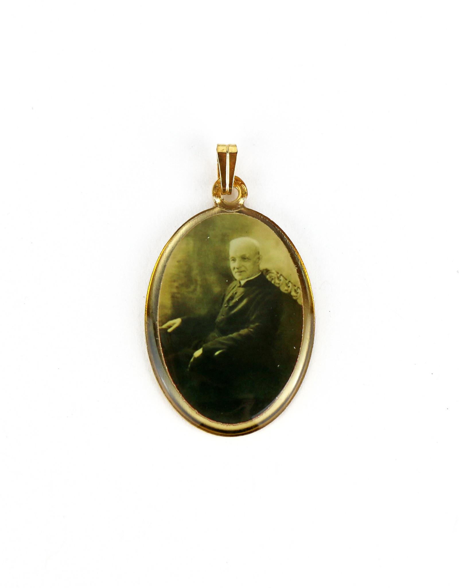 Médaille contour doré saint frère André