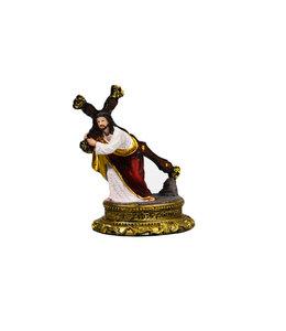 Statue Jesus bearing his cross