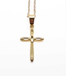Pendant : rounded golden cross with textured center