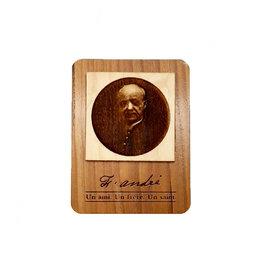 Aimant en bois gravé saint frère André