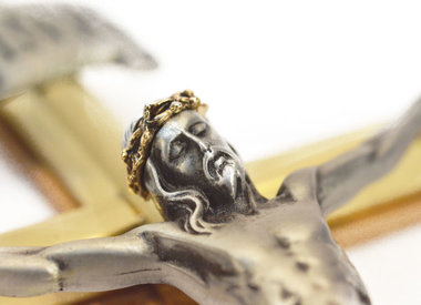 Crucifixes, icons and frames
