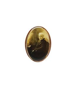 Épinglette dorée saint frère André