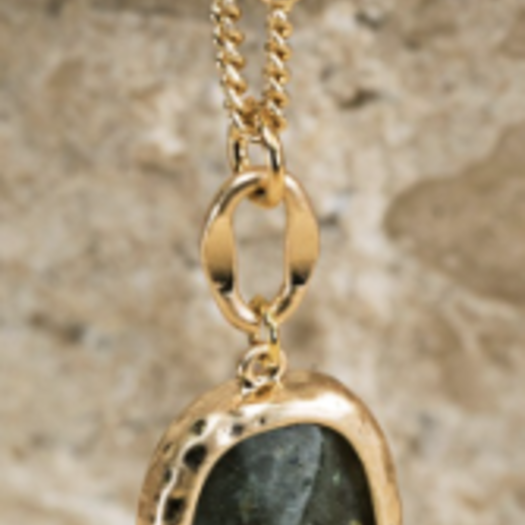urbanista Faceted Natural Stone Necklace