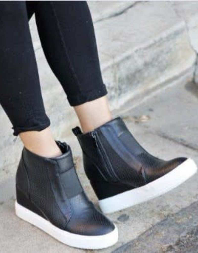 Mata Shoes Black Wedge with Side Zipper