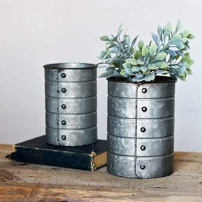 Pd Home & Garden Rivet Tin Can